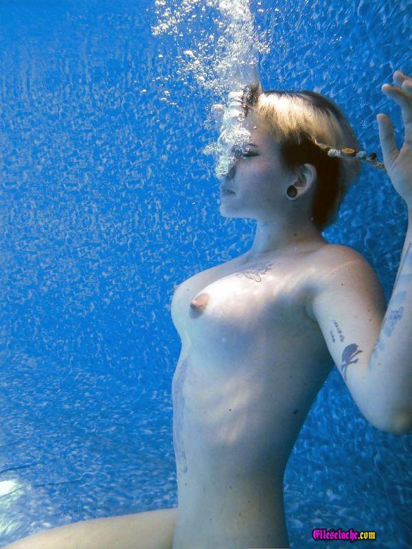 baise multiple sexe sous l eau