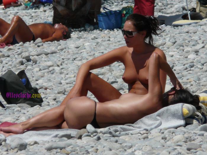 femme nue plage escort pontault